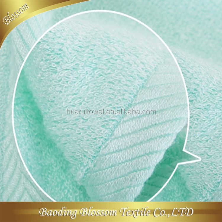 Microfiber facial cleansing cloth