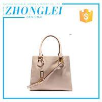 Top Class Custom Shape Printed Girls Embroidered Hand Big Stylish Handbags With Chain