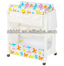 Baby clean changer with bathtub