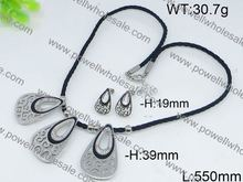 Simple cut jewellery designs pictures