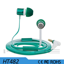 2015 high quality colorful sport wired stereo in ear earphone with Mic