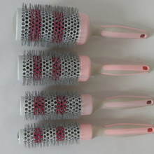 Manufactering high quality good feedback rubber handle change color hair brush