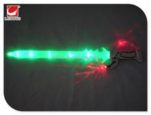 De los niños que destella plástica cuchillo y espada juguetes con música / súper ventas glowing juguetes de armas