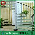cristal del metal de interior escalera de caracol