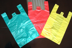 Chinese factory cheap t-shirt plastic bag on roll for packaging