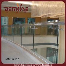 balaustre filo ringhiera del balcone di vetro e altezza ringhiera
