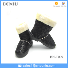 2015 new cheap winter warm soft rubber indoor boots for girls