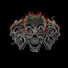 hotsale beauty rhinestone three skulls with flame hot fix crystal bling skull