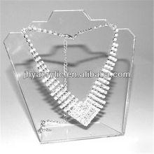 exhibición de la joyería se encuentra el cuello