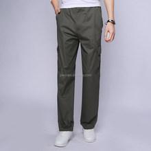 uomini pantaloni casual