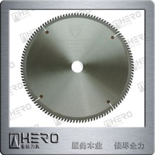 TCT circular saw blade with tungsten carbide teeth for precision cutting wood material panel