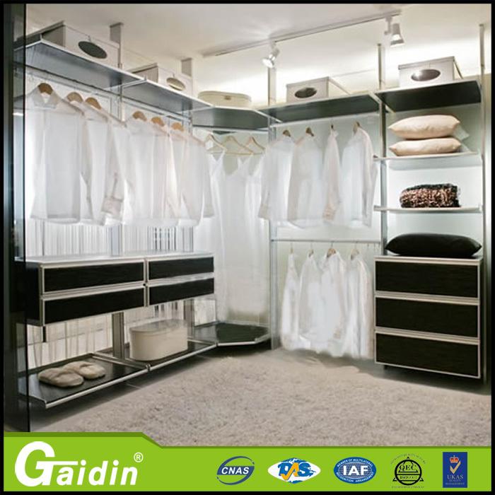costumbre guardarropa innovadora de aluminio Italia Diseo de ropa