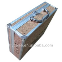 professional cork wood poker and chip aluminum case with playing card factory in China