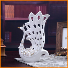 Boutique creative fashion ornaments painted ceramic peacock peacock flower holder factory direct