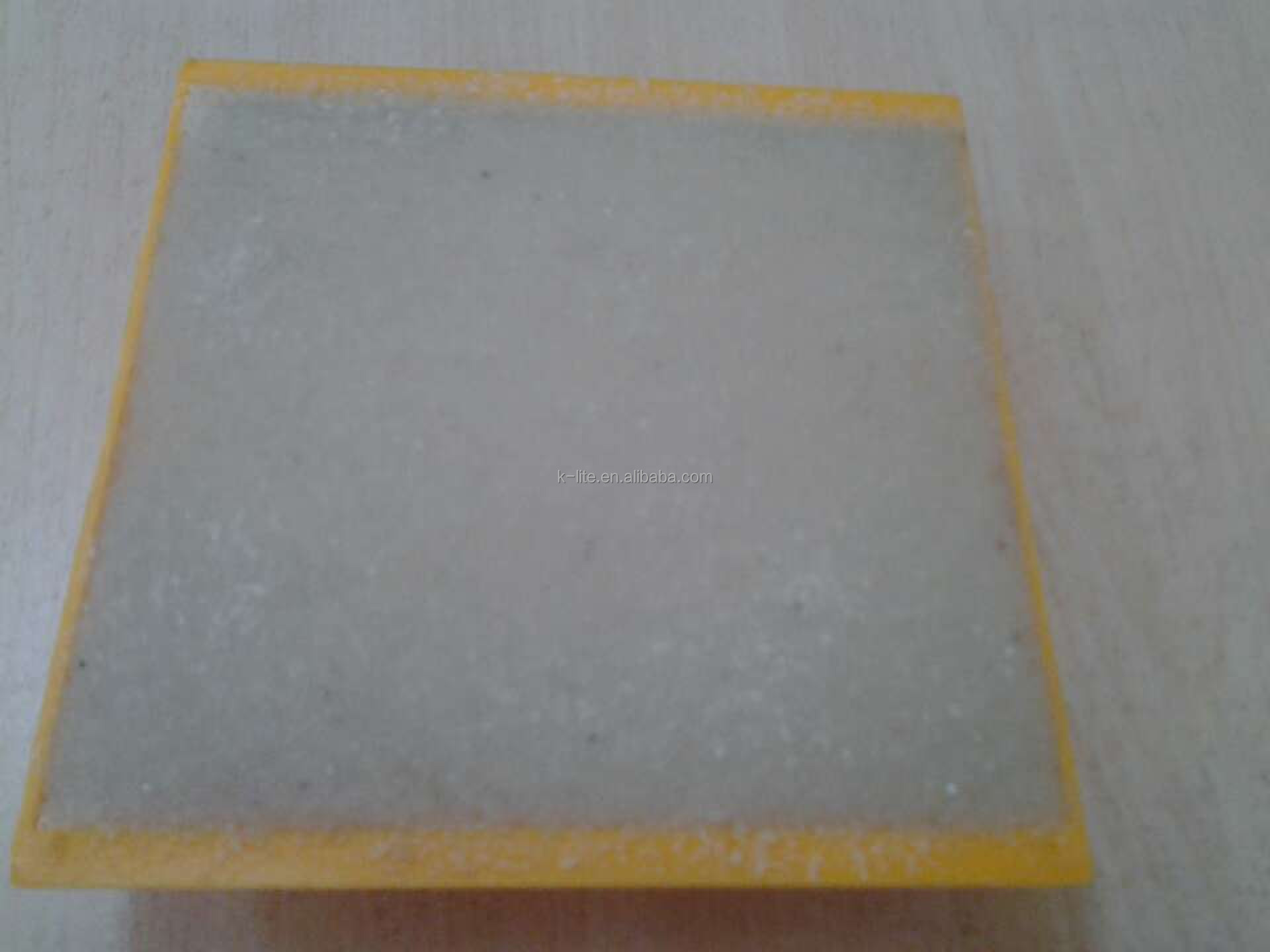 Plastic road safety reflector