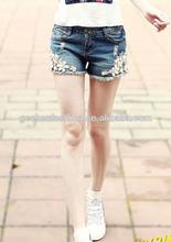 alta de chica de moda los pantalones vaqueros pantalones cortos de mezclilla pantalones de verano