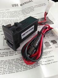 High Quality 12V 2.1A Dual USB Port Power Socket Mobile GPS Car Charger For MITSUBISHI