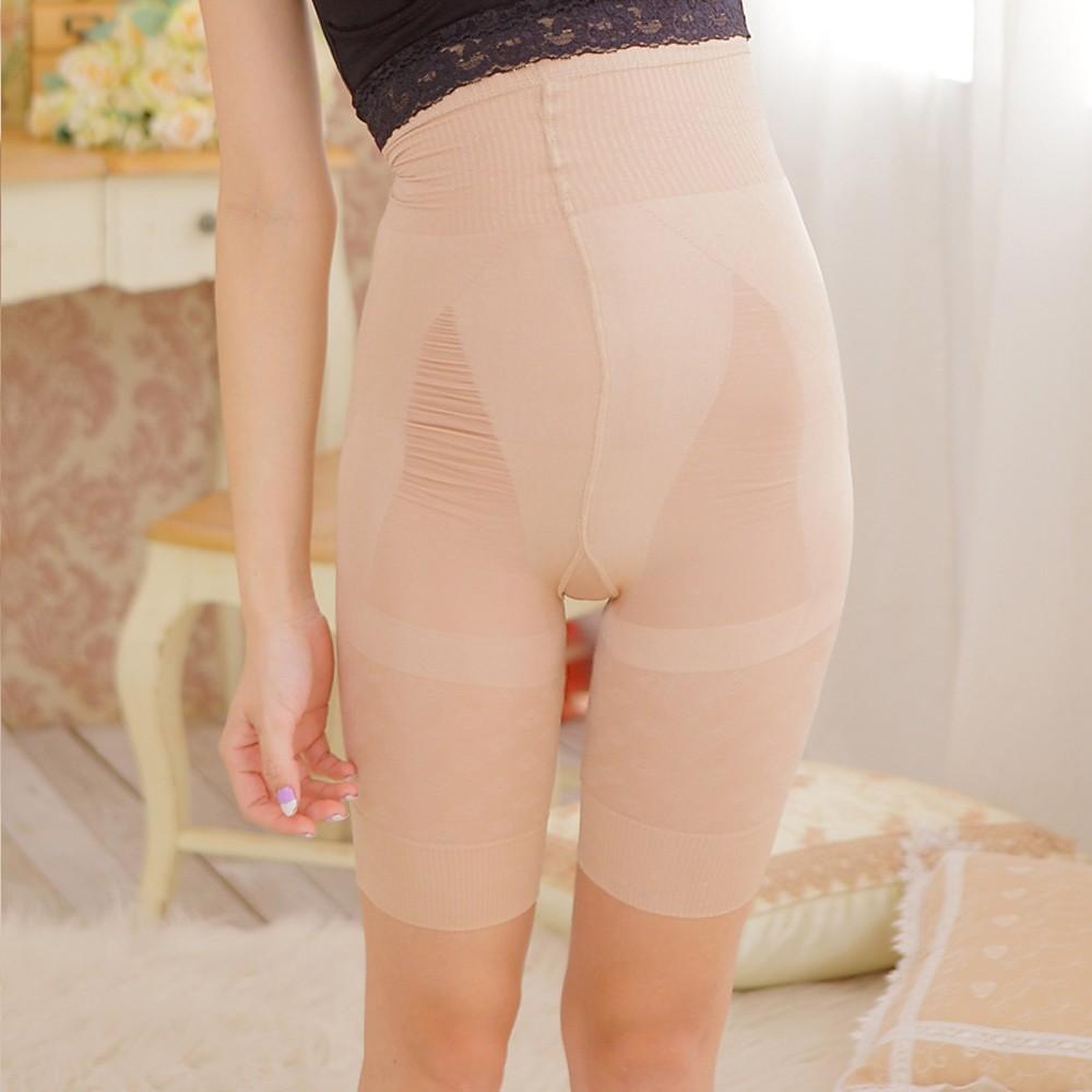 Mujeres tetonas corriendo pantalones cortos