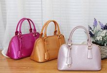 Popular American stylish woman shoulder leather bags manufacturing companies