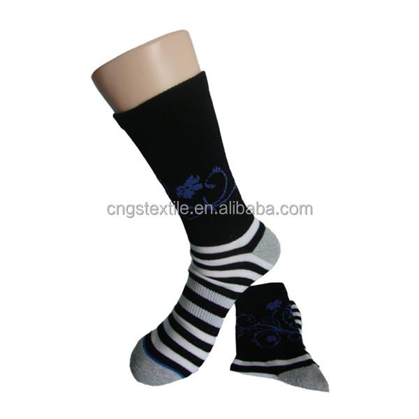 Haining GS personnalisé longues manchette élastique moitié terry blanc et noir rayures bleu motif hommes chaussettes athlétiques