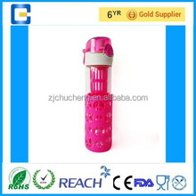 Bpa free glass sports water bottle drinking bottle with silicone sleeve