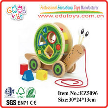 walk-a-long snail push&pull wooden toy for kids