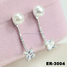 Wholesale beautiful gold plated crystal korean model selling earring with zircon
