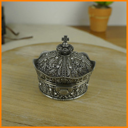 European roses carved diamond crown princess jewelry box zinc alloy jewelry box stock 2134 S / P