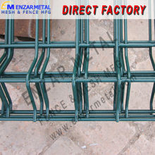 Wholesale powder coated green 4mm wire 50x200 mesh curves garden zone fence