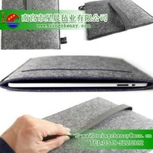 Hot selling Fashion Design Eco-friendly Grey Color100% Wool felt bag for Tablet pc