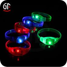 2015 Hot China Wholesale Cheap Custom Glow Flashing Colorful Plastic Led Bracelets