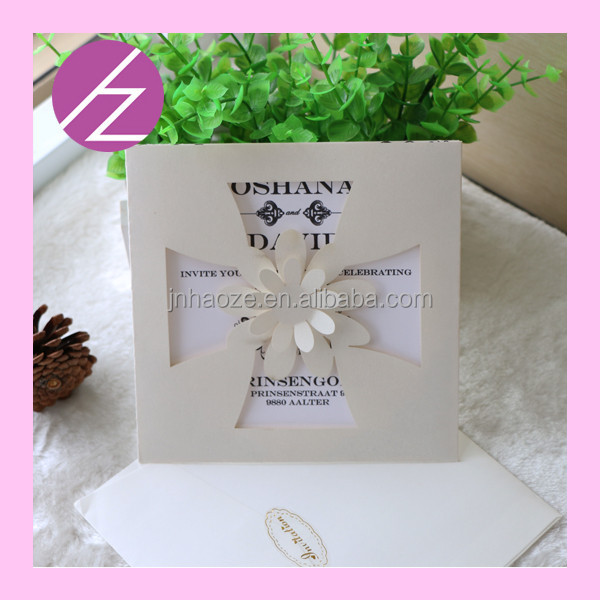 Wedding table decoration invitation card with 3d flower qj for Decoration table pour invites