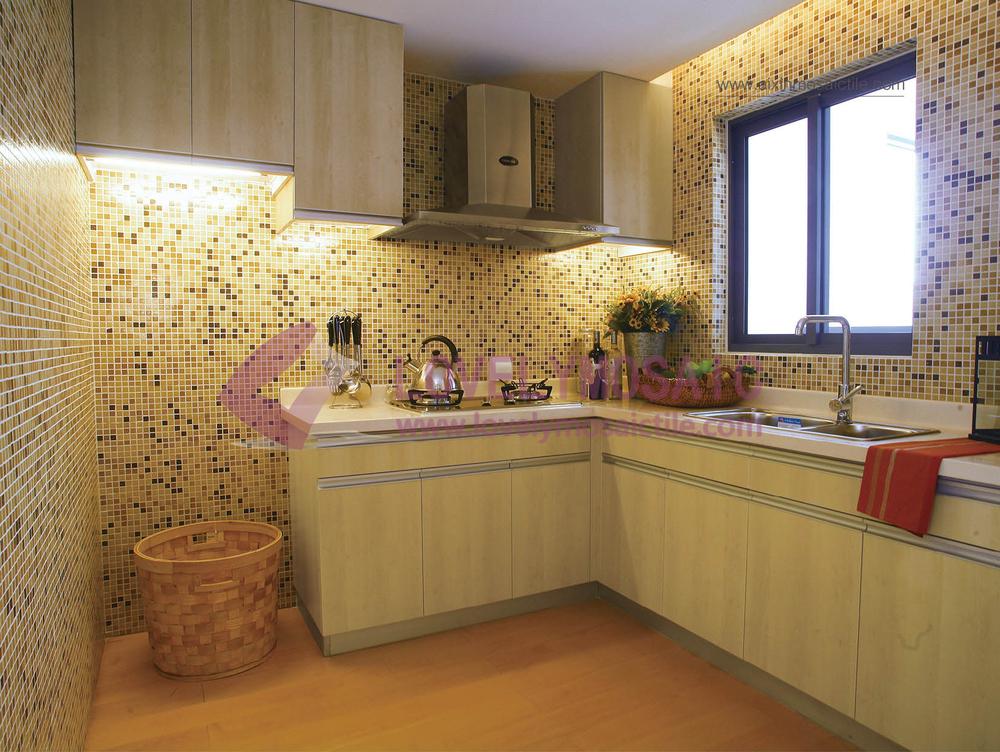 Mm oro mosaico di vetro line mattonelle della parete per cucina