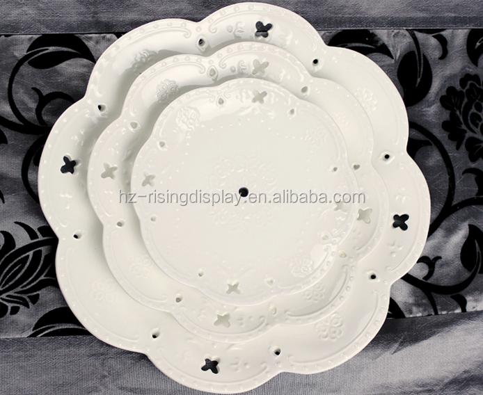Prix usine de haute qualité en céramique blanc de mariage à trois niveaux gâteau stand