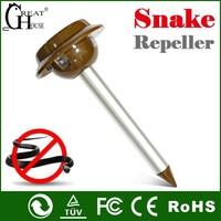 GH-318 Patent soalr vibration drive away snake