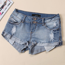 The new summer 2015 European and American wind inventories cowboy fashion burrs denim shorts jeans