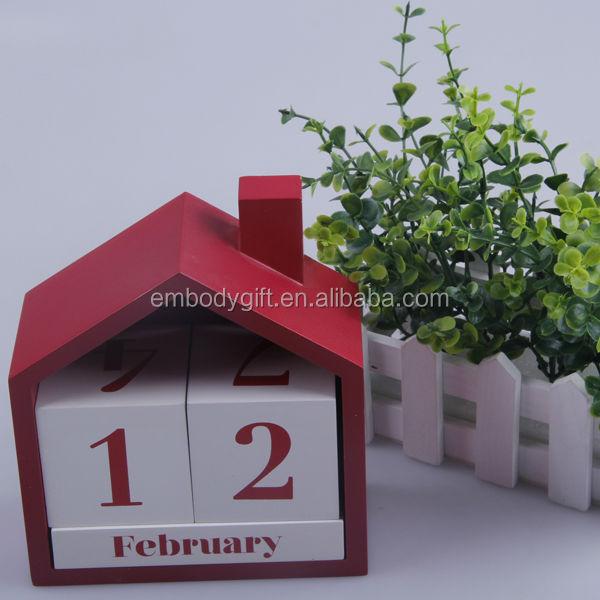 Forme de maison mdf calendrier perp tuel pour d coration for Decoration externe maison