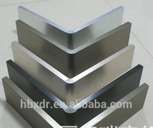 Oem l gante tanche d coratif cuisine aluminium plinthes for Plinthe alu cuisine