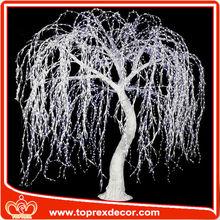 Decorativa llevada al aire libre del árbol de navidad