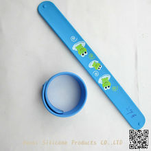 2012 lovely silicone snap wristbands for sale