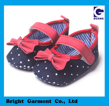 Lovely Dot Design Newborn Baby Girl Shoes With Red Bow Decoration