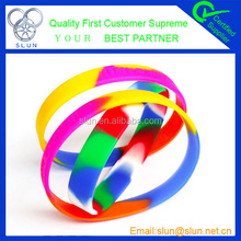 2014 hottest personalize thin silicone wristband