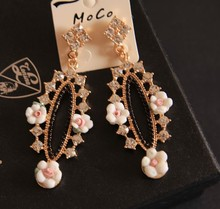 NEW Oval shape hoop earrings with soft ceramic flowers and crystal rhinestones Baroque style Vintage accessories