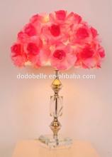 grande rosa rossa fiore lampada da tavolo con base in cristallo