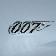 JAMES BOND 007 SILVER COLORED METAL LAPEL PIN BADGE NEW