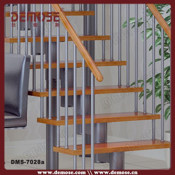 Interior moderno escaleras para casas peque as escaleras for Escalera aluminio pequena