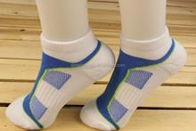 OEM Bulk Wholesale Promotion Men's Ankle White Sports Socks