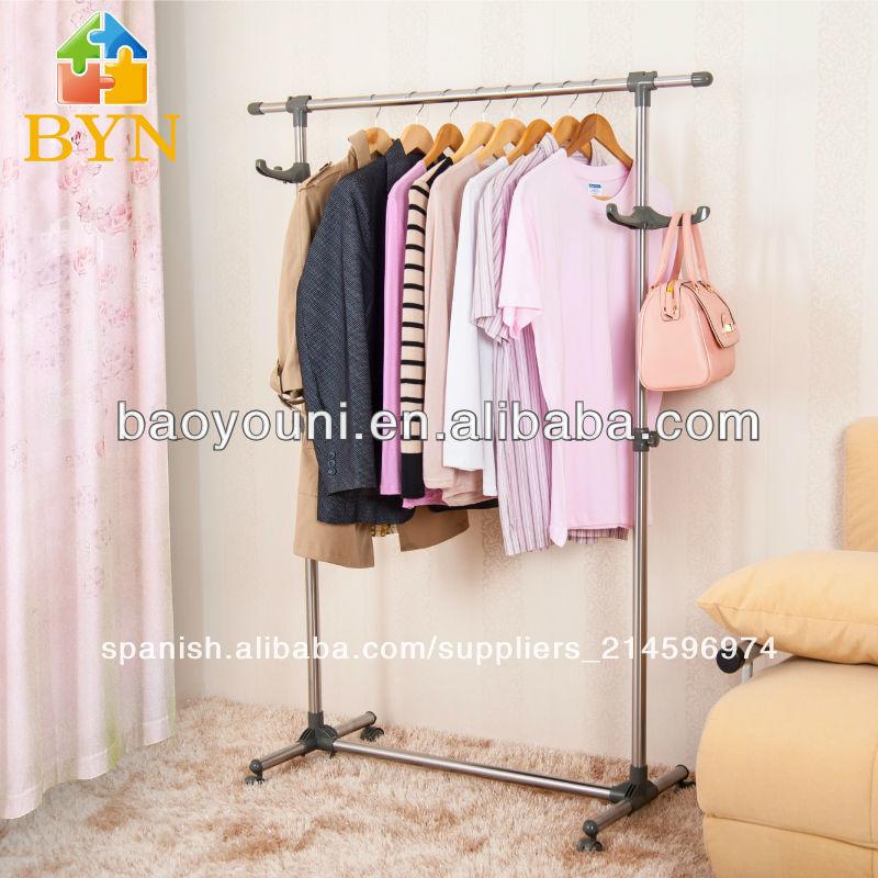 Muebles tubulares para colgar ropa for Como hacer un perchero de pared