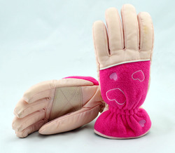 China manufacture girls pink embroidery waterproof winter gloves/ski gloves