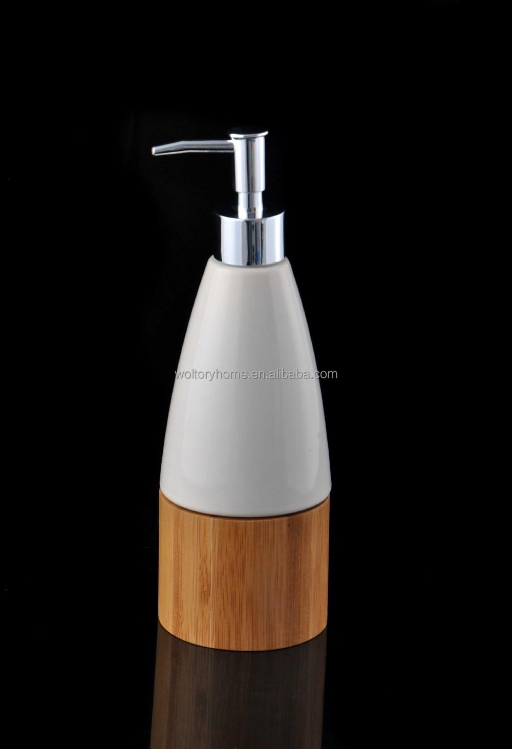 Détail bambou naturel et accessoires de bain en céramique ensemble ...